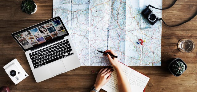 What is a Digital Nomad and How to Become One
